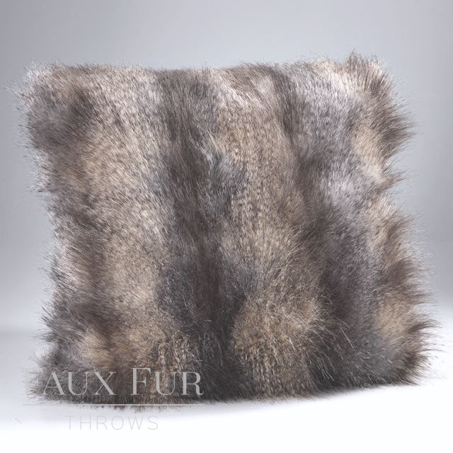BLUE MOUNTAIN Faux Fur Cushion