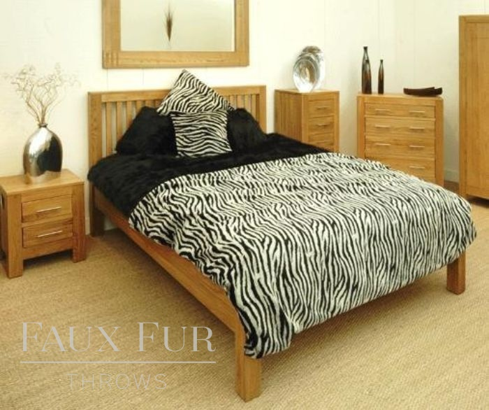 Montain Zebra Faux Fur throw - bed setting