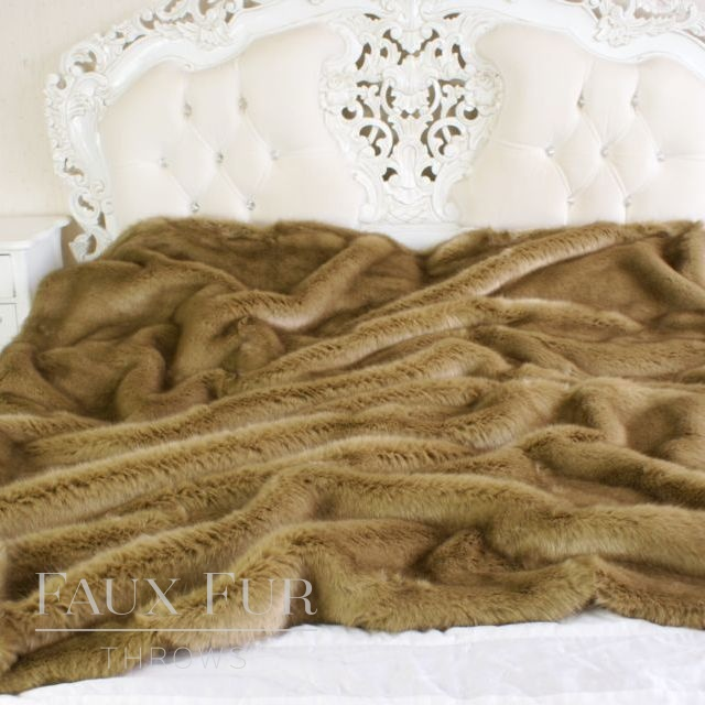 Faux Fur Throw: Brown – KALAHARI SAND