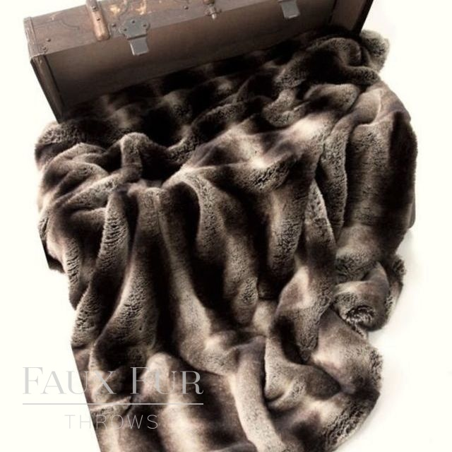 Dark Brown Beige Faux Fur Throw – NEW MERIBEL