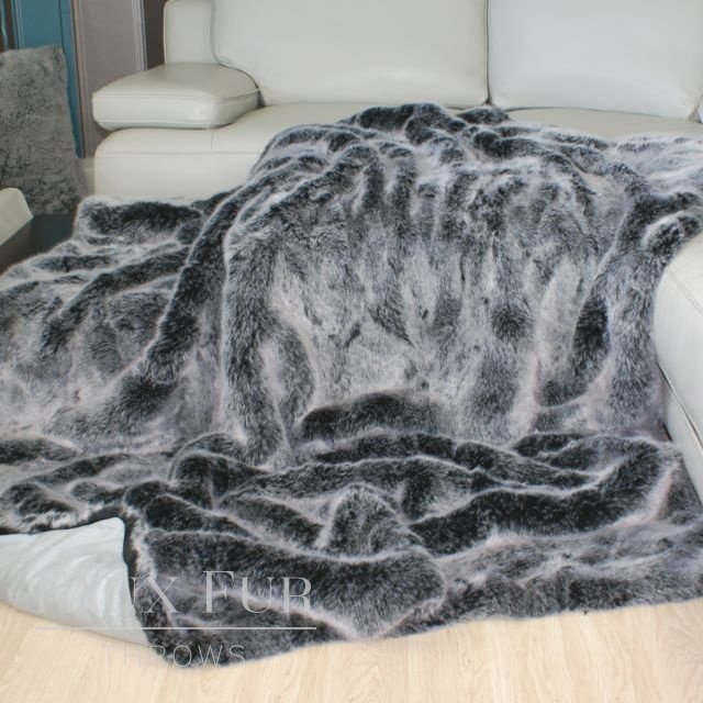 Grey Faux Fur Throw – Charcoal Silver Frost