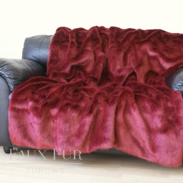 Red Faux Fur Throw – MOULIN ROUGE